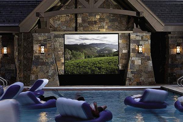 cine en piscina